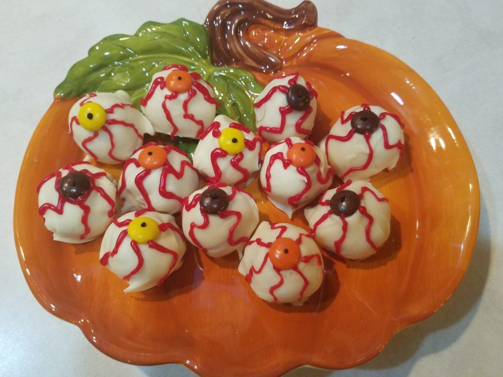 Bloody Eyeball Homemade Halloween Treats