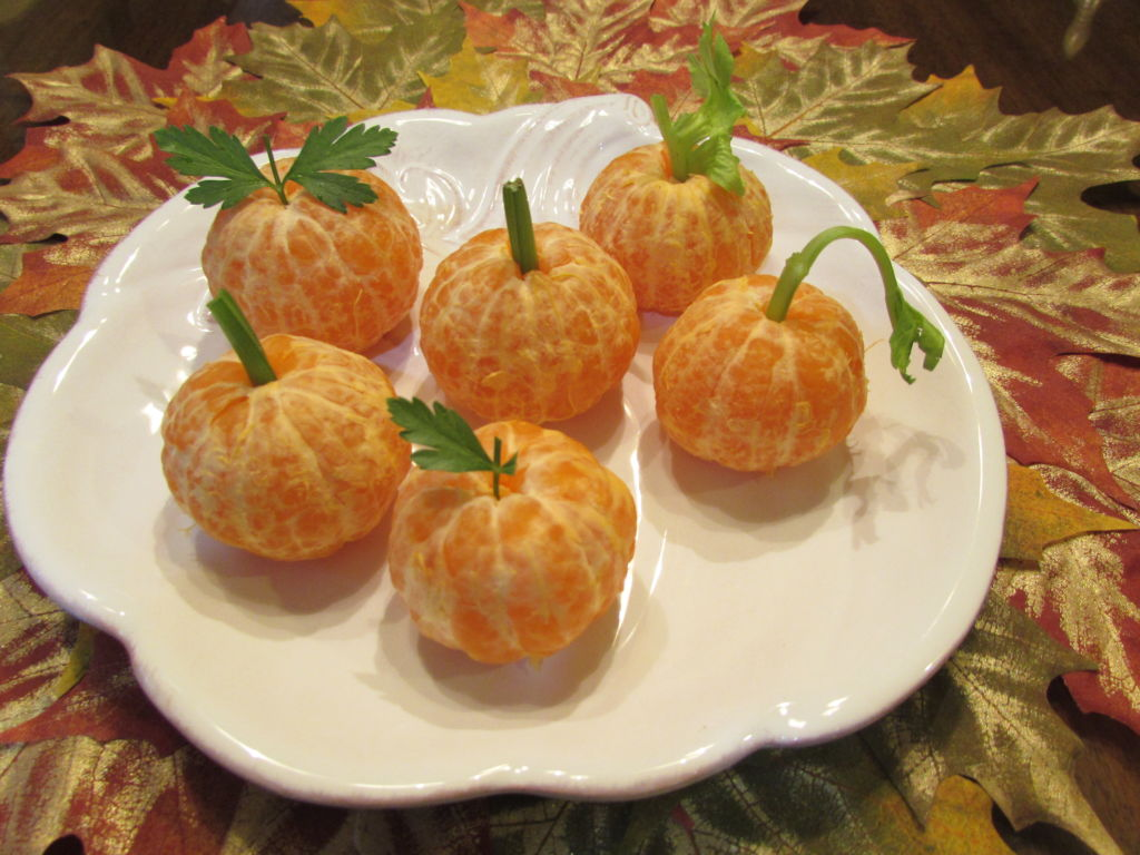 Healthy Fall Snack – Orange Pumpkins